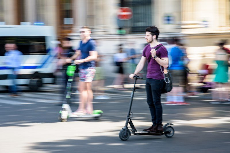 No one-handed rides on electric scooter