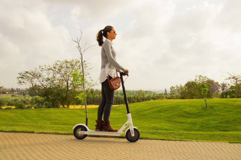 Pros and Cons of Using Electric Scooters as a way to attain cleaner energy